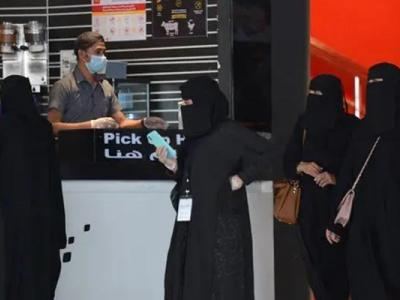 سعودی عرب: کورونا کے ریکارڈ کیسز سامنے آگئے، فضائی آپریشن معطل